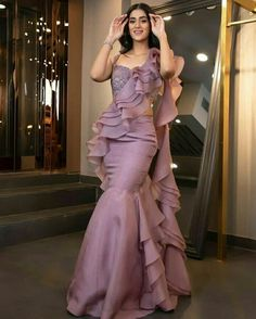 Indian Bridesmaid Dresses, Party Wear Indian Dresses, Designer Party Wear Dresses, Indian Gowns Dresses, Dress Indian Style, Indian Fashion Dresses, Indian Wedding Outfits, Indian Designer Outfits, Bridal Outfits