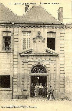 Caserne des minimes, Rue des Minimes