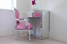Image of: small mirrored vanity table design