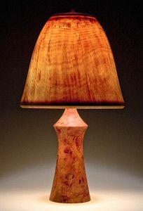 База торс 'изготовлен из красного дерева, с колоколом абажур