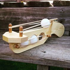 Wooden toys green color for bedroom - Green Things Woodworking For Kids, Woodworking Toys, Woodworking Projects, Diy Wood Projects, Projects For Kids, Wood Crafts, Lance Pierre, Rubber Band Gun, Wood Toys