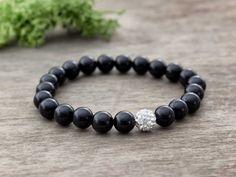 Ónix ásvány karkötő kristály gömbbel