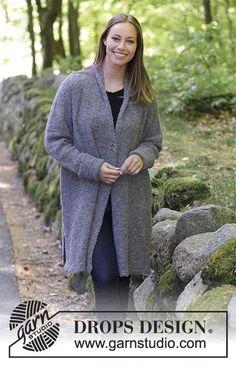Veste tricotée en DROPS Alpaca Bouclé, avec col châle et fentes côtés. Du S au XXXL.