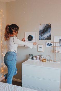 Blue Bedroom Walls, Blue Rooms, Bedroom Inspo, Bedroom Ideas, Bedroom Decor, Girl Room, My Room, Bedroom Apartment, Apartment Ideas