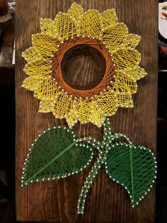 Take a look at these 12 very inspiring String Art models - Decoration - Tips and Crafts String Art Templates, String Art Tutorials, String Art Patterns, Doily Patterns, Hilograma Ideas, Fourth Of July Crafts For Kids, Nail String Art, Disney String Art, Sunflower Pattern