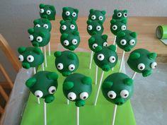 """""""angry birds"""" pig cakepops"""