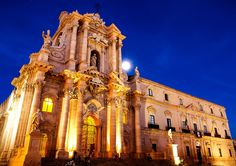 The cathedral (Italian: Duomo) of Siracusa (Sicily) was built by bishop Zosimo in the 7th century over the great Temple of Athena (5th century BC), on Ortygia island. #Italy