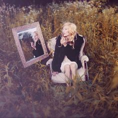 Photography: By Laura Marie   Portraits l Gallery 3