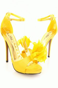 Mellow Yellow, Bright Yellow, Classy Outfits, Classy Clothes, Beautiful High Heels, Yellow Shoes, Yellow Fashion, Types Of Shoes, Shoe Boots