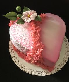 Pink heart - cake by Heart Shaped Cakes, Heart Cakes, Beautiful Cakes, Amazing Cakes, Valentine Cake, Valentine Heart, 50th Anniversary Cakes, Fancy Desserts, Strawberry Desserts
