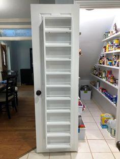 Under Stairs Cupboard Storage, Kitchen Under Stairs, Closet Under Stairs, Staircase Storage, Stair Storage, Under Stairs Pantry Ideas, Diy Understairs Storage, Pantry Room, Pantry Shelving
