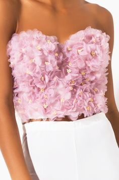 Cropped bustier with three dimensional floral details by AKIRA. Couture Fashion, Diy Fashion, Ideias Fashion, Fashion Dresses, Fashion Design, Pretty Outfits, Cute Outfits, Shotting Photo, Floral Bustier