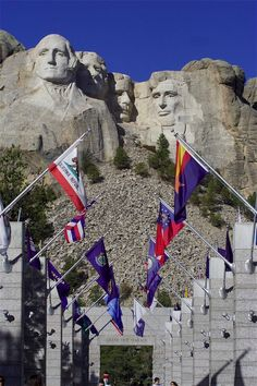 Mount Rushmore - I have been a few times and I recommend this as a destination. Historic interactive museum with videos that show progress of the project. Many artifacts from the moment in time. Oh The Places You'll Go, Great Places, Beautiful Places, Places To Visit, Vacation Destinations, Vacation Spots, Vacations, Mount Rushmore South Dakota, Places In America