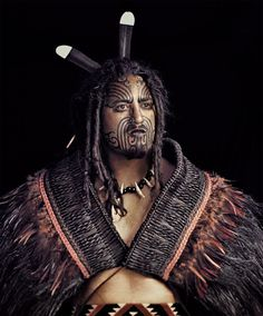 The Maori people are New Zealand natives with an amazing history. Photographer Jimmy Nelson, has made it his mission to help preserve their culture. We Are The World, People Around The World, Ta Moko Tattoo, Maori Tattoos, Jimmy Nelson, Tattoo Diy, Maori People, Indigenous Tribes, Maori Art
