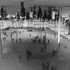 Upsidedown sur le vieux port - Marseille - photo V. Robin