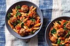 Penne with turkey meatballs and roma tomato sauce with basil. - Meal Delivery Service - Ideas of Meal Delivery Service - Penne with turkey meatballs and roma tomato sauce with basil. Gourmet Recipes, Healthy Recipes, Healthy Foods, Free Recipes, Ground Turkey Meatballs, Calories In Vegetables, Meal Delivery Service, Healthy Food Delivery, Gluten Free Pasta