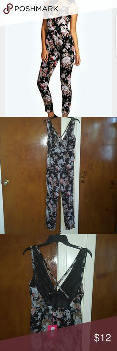 Chiffon floral print strappy detail jumpsuit Chiffon floral print strappy detail jumpsuit...size 10. Boohoo Pants Jumpsuits & Rompers