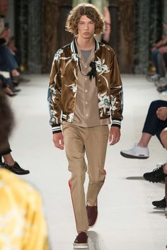 Spring 2016 #Menswear #Valentino #Runway #mensfashion #menswear #men #fashion #style #mensstyle #instagood #photooftheday #ootd #model #menstyle #man #designer #streetwear #streetstyle #shoesdesign #shoes #instafashion #instadaily #cool #trendy #picoftheday
