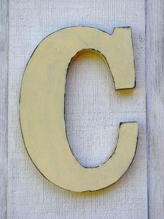 Lettre en bois Bouton-Lettre C
