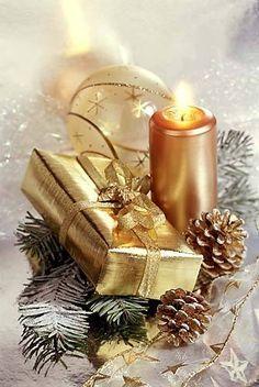 Merry Christmas & Happy New Year ! Merry Christmas, Christmas Scenes, Christmas Candles, Christmas Colors, Christmas Greetings, Winter Christmas, Vintage Christmas, Christmas Time, Christmas Decorations
