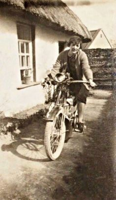 Nora Ashe, sister of Thomas Ashe, and member of Cumann na mBan, sitting on Thomas' motorbike. Ireland 1916, Easter Rising, German English, Al Capone, Emerald Isle, Ares, Women In History, Archaeology, Year Book