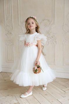 White Flower Girl Dresses, Little Girl Dresses, Girls Dresses, Dress Girl, Party Dresses, Flower Girl Outfits, Girls Special Occasion Dresses, Tulle Flower Girl, Flower Girls