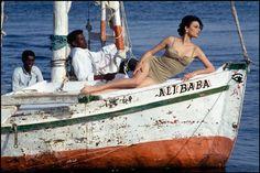 Ferdinando Scianna, Egypt, Assouan, Fashion story, 1992