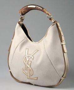 YSL! love the handle  Diese und weitere Taschen auf www.designertaschen-shops.de entdecken