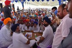 Meeting the people of Giddarbaha during Sangat Darshan was a gratifying experience. I announced the setting up of a 66 KV grid at a cost of Rs. 4 crore besides widening of Gidderbaha-Doda road at a cost of Rs. 12 crore. Development oriented grants to the 26 panchayats and 11 urban wards of the Gidderbaha were also distributed. #sukhbirsinghbadal #akalidal #prgressivepunjab