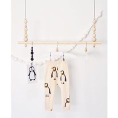 Kuvahaun tulos haulle vaaterekki lapsille Kids Room Design, Creative Inspiration, Kids And Parenting, Clothes Hanger, Baby Room, Diy And Crafts, Nursery, Laundry Room, Home