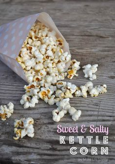 Have you ever been to the fair or a carnival, and been enticed by the amazing aroma of freshly popped kettle corn? That smell is almost impossible to resist, right? And the sweet and salty Yummy Snacks, Yummy Treats, Sweet Treats, Yummy Food, Fun Food, Popcorn Recipes, Snack Recipes, Cooking Recipes, Kettle Corn Popcorn