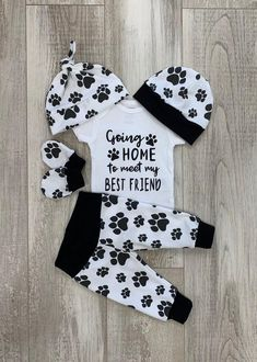 Your place to buy and sell all things handmade Going Home Boys Dog Coming Home Outfit, Going Home to Meet my Best Friend Baby Set, Dogs Paws, Newborn Hospital, Baby Boy Shower Gift by DarlinDivasandDudes on Etsy Baby Set, Baby Love, Newborn Coming Home Outfit, Take Home Outfit, Baby Going Home Outfit Boy, Baby Boy Clothing Sets, Cute Baby Clothes, Girl Clothing, Babies Clothes