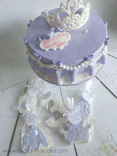 I am loving this color palette, having 2 girls soft pastels are my colors. I made this cake and cookies for a great client of mine,. Girly Birthday Cakes, Little Cakes, Diy Cake, Girl Cakes, First Birthdays, Cupcakes, Soft Pastels, Cookies, Girl Stuff