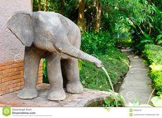 Elephant Fountain | Elephant fountain in the park.
