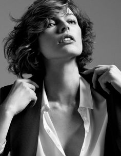 Style (Milla Jovovich, by Inez and Vinoodh) wavy bob fringe side-sweapt
