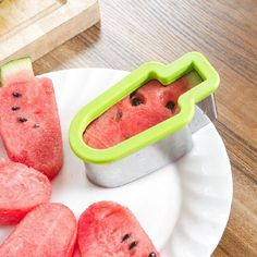 New Dropshipping Creative Watermelon Smart Slicer Stainless Steel Popsicle Ice Cream Model Melon Cutter Kids DIY Kitchen Tools Watermelon Cutter, Watermelon Slicer, Watermelon Fruit, Restaurant Bar, Slice Cutter, Kitchen Tools And Gadgets, Cooking Gadgets, Diy Kitchen, Kitchen Hacks