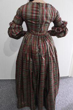 Tageskleid um 1838