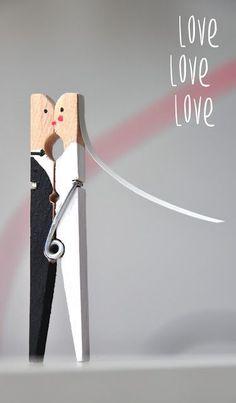 Newlyweds made from clothespins [DIY] and the duties of a T .- Brautpaar aus Wäscheklammern [DIY] und die Pflichten einer Trauzeugin – Bridal couple made of clothespins [DIY] and the duties of a maid of honor – - Last Minute Wedding, Wedding Shower Games, Ideias Diy, Maid Of Honor, Newlyweds, Beatles, Wedding Cards, Diy Gifts, Party Gifts