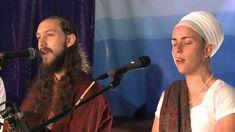 """Ram Dass and Nirinjan Kaur Sing """"Namo Namo (Sat Nam)""""  чаран саран гур эйк пэйдаа джаэ чал сатигур кот пэйдаа агэ хоэ лэт хэй  эйк баар сатигур мантр симаран маатр симаран тхааи бааранбаар гур хэт хэй  бхавани бхагат бхаи коуди аргабхааг раакхэй та(х)и гур сараб нидхаан дхаан дхэт хэй сатигур дхэиа нидх мэхимаа агадх бодх намо намо намо намо нэтх нэтх нэтх хэй"""