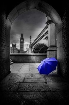 I would get rid is umbrella and instead have a human silhoutte Splash Photography, Color Photography, Landscape Photography, Black And White Colour, Black And White Pictures, Color Splash Photo, Splash Images, Blue Umbrella, Pretty Pictures