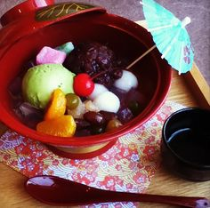 Here we will introduce you an another yummy traditional Japanese sweets called anmitsu. It is a colorful variety of Japanese dessert made fr...
