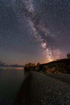 Astrophotos Milky way rising over Hecla island in Manitoba - See amazing artworks of Displate artists printed on metal. Easy mounting, no power tools needed. Lake Photography, Hubble Space Telescope, Adventure Is Out There, Print Artist, Night Skies, Cool Artwork, Beautiful World, Cosmos, Beautiful Pictures