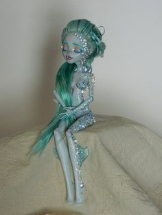 Love this monster high lagoona blue ooak!!!