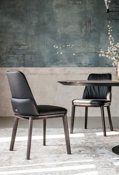 Designed by Paolo Cattelan in 2018 for luxury furniture manufacturer Cattelan Italia, the Belinda chair is available with or without armrest with the frame in solid wood. Dining Room Chairs Ikea, Dining Room Sets, Dining Room Design, Dining Room Furniture, Office Chairs, Dining Table, Lounge Chairs, Contemporary Dining Chairs, Modern Chairs