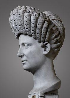 Portrait of a Roman Lady Chiaramonti Gallery, Vatican Trajanic period.  The hair is beatiful ....