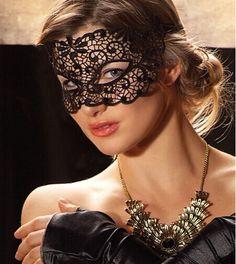 8,-  //  Gestickt Spitzenmaske Lace Maske Karneval von missyouparty auf DaWanda.com