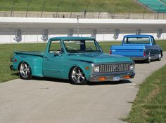 I think I want a stepside C10...or at least build one