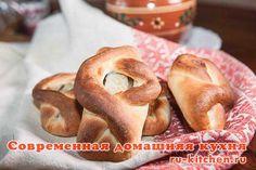 Кулебяки архангелогородские Дело в том, что в Архангельске именно такие вот небольшие открытые пирожки с рыбой называют кулебяками. Поэтому я им и присвоила такое название.В качестве начинки в Архангельске используют, в основном, треску или палтус. Треска в Архангельске самая популярная из рыб, и местные жители называют себя любя трескаедами.Но вы можете использовать любую рыбу, чтобы приготовить пирожки таким образом. Главное, чтобы рыба была вкусная. А ещё эти пирожки постные – и наверно…
