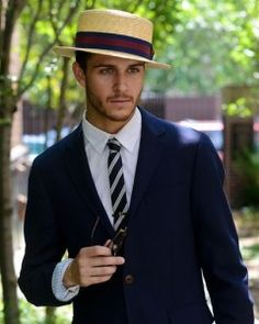 Use the hat as an accessory to your style ..