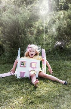 Memini children`s wear by Kristine Vikse, Norwegian design, organic cotton, baby and kids ss 2016. Girl, knit dress, Alice in wonderland, prinsessefin, down the rabbit hole, dolls house
